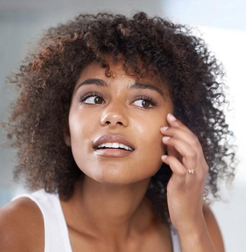 Peles com acne precisam de um cuidado especial